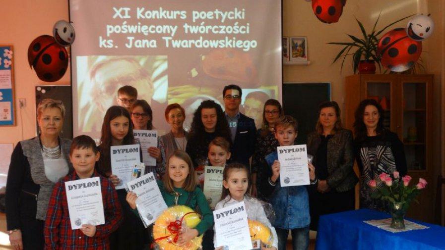 """""""XI Gminny Konkurs Poetycko – Muzyczny twórczości  ks. Jana Twardowskiego """""""